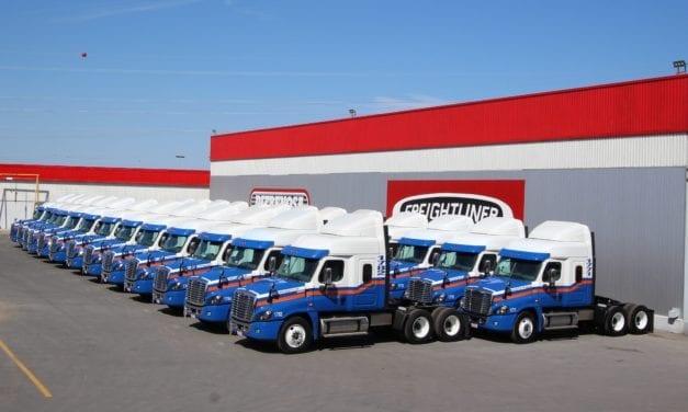 Se moderniza FNG con vehículos Freightliner