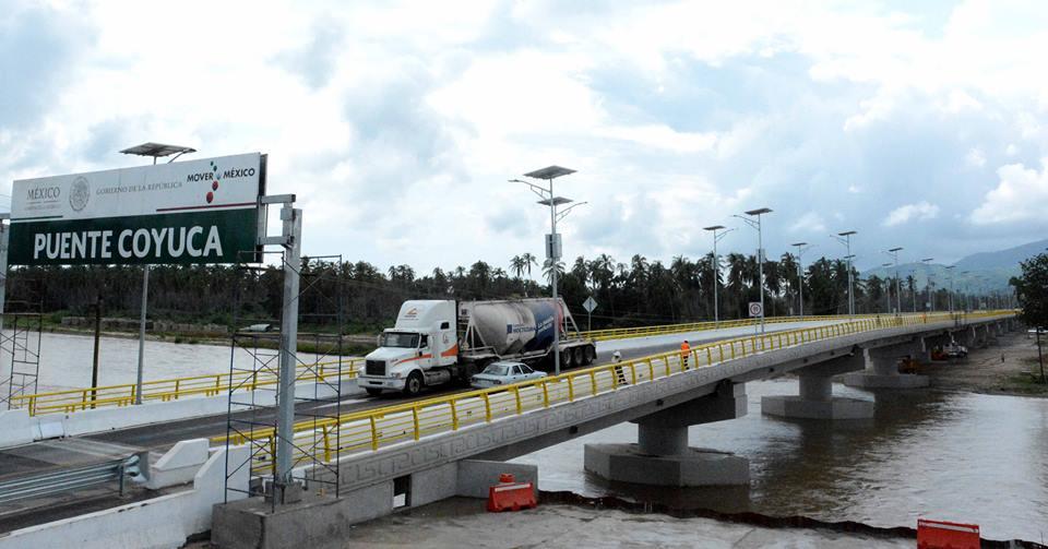 Renuevan 5 carreteras de Guerrero al 100%