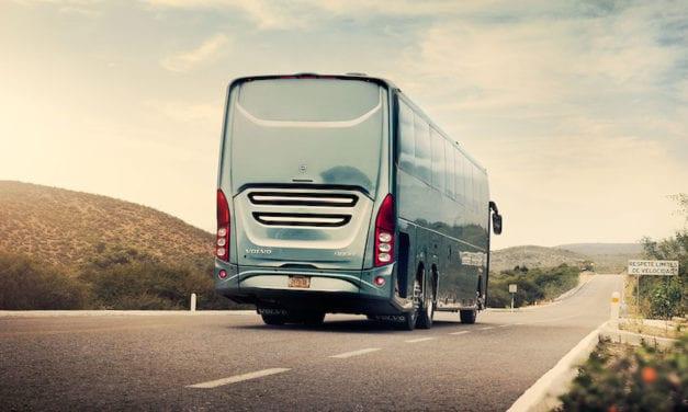 Entrega Volvo 4 buses con chasis B13R