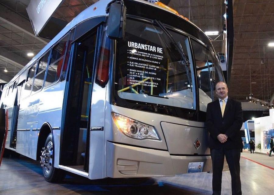 Navistar venderá 12,000 autobuses fabricados en México