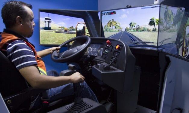 Jaguar estrena moderno simulador de manejo