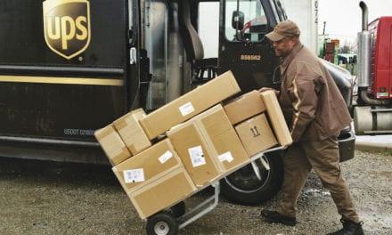 Con cifras récord, acelera UPS su crecimiento