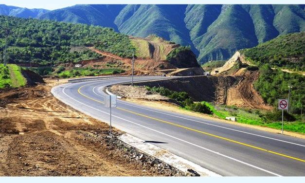 Avance constante de obras carreteras en BC