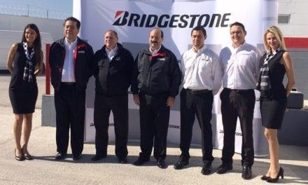 Inaugura Bridgestone nuevo Centro Camionero BTS