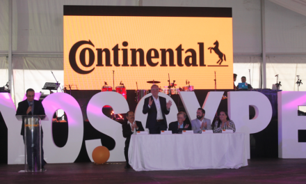 Celebra Continental Guadalajara Periférico sus XV años