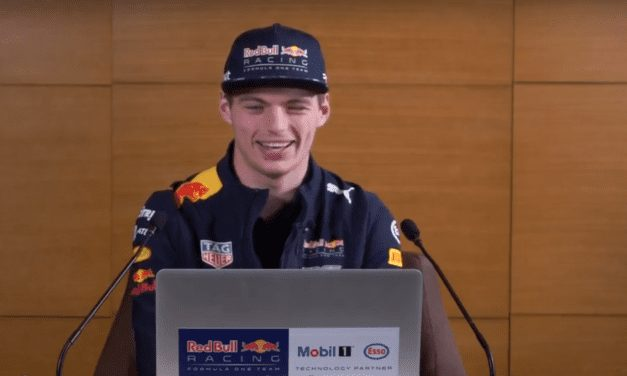 Acerca ExxonMobil al piloto Verstappen con sus fans