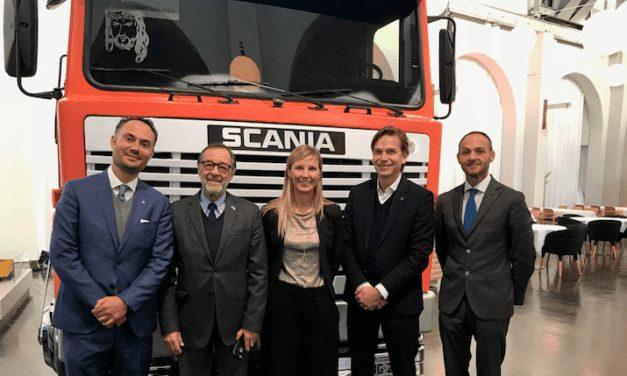 Recibe Scania al embajador de México en Suecia