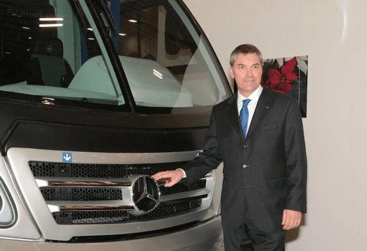 Flotilleros y hombres-autobús prefieren Mercedes-Benz