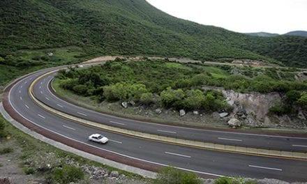 Modernización y reconstrucción de caminos de Guerrero