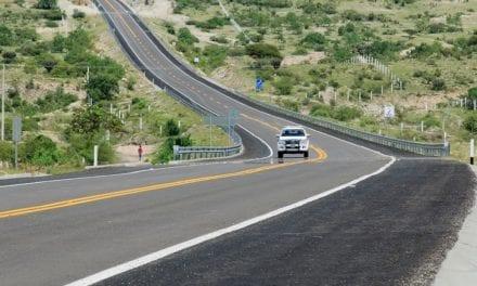 Mejoran conexión carretera en Oaxaca