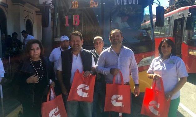 30 autobuses Runner 9G para Transportes CAZEV
