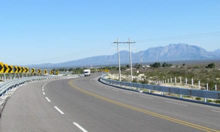 Entrega SCT tres obras en Coahuila