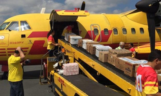 Traslada DHL ayuda a Ecuador