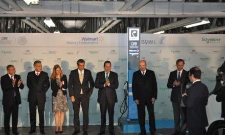 BMW y Schneider abren cuatro electrolineras en Walmart