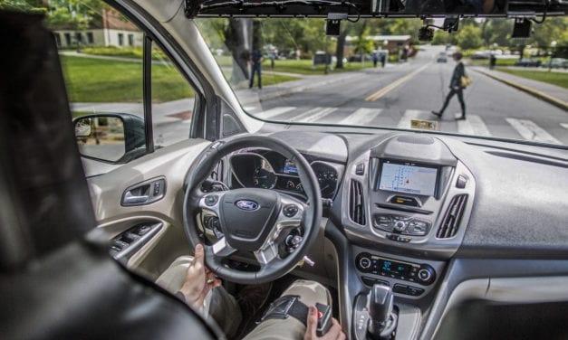 Desarrolla Ford medidas de comunicación entre vehículos autónomos y personas