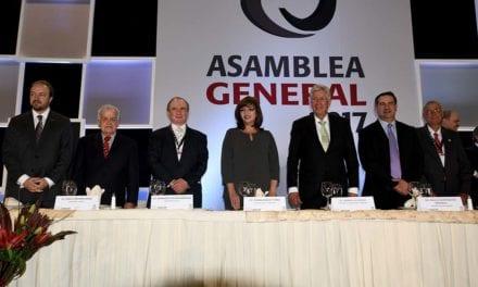 Reeligen a Montemayor como presidente de Canacar