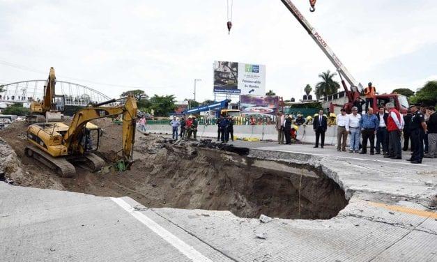 Destituyen delegado de SCT en Morelos por socavón
