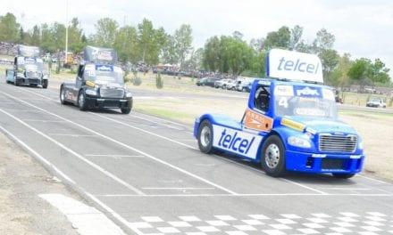 Calderón se coloca a la delantera de la NASCAR