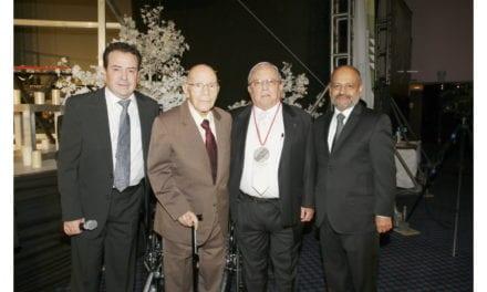 Medalla al Mérito 2016 a 3 distribuidores de AMDA