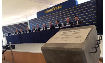 Colocan primera piedra de la planta de Goodyear en SLP
