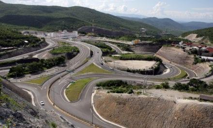 Avanza la reconstrucción carretera de Guerrero