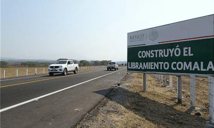 Entrega SCT obras en Colima