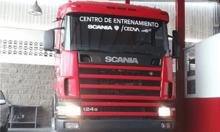 Dona Scania un camión R124 a CEDVA