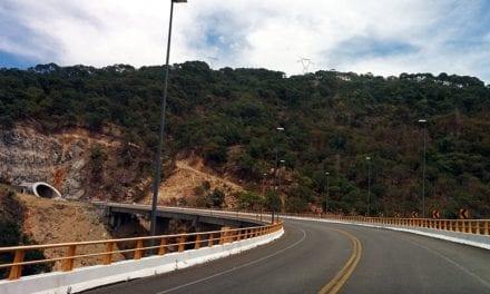 Supervisa la SCT obras del Plan Michoacán