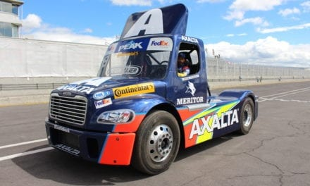 Tracto de Michel Jourdain Jr. estrena colores