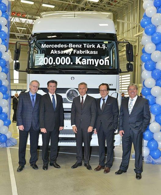 Produce Mercedes-Benz Trucks su camión número 200,000 en la planta de Aksaray