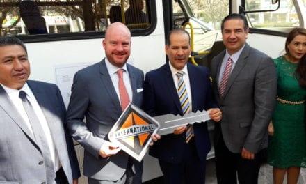 Renueva Navistar convenio por la profesionalización del transporte