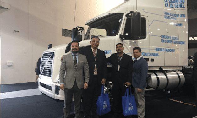 Estrechan lazos Volvo y Mack con Canacar