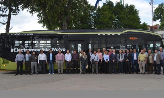 Visitan operadores de Mexibús L4 planta de Volvo Buses