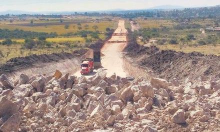 Avanza construcción del Eje Metropolitano en León