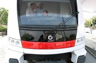 Exhiben réplica del tren de la Línea 3 en Guadalajara