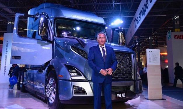 Entrega Volvo los primeros VNL Edición de Lanzamiento