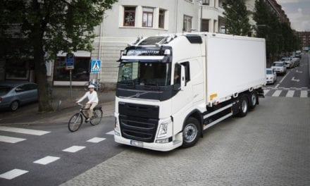Busca Volvo interacción más segura en carreteras