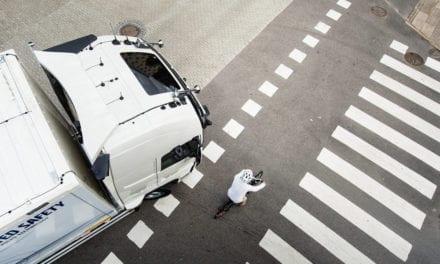 Fomenta Volvo colaboración por la seguridad vial