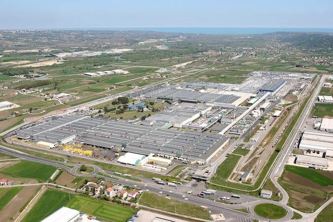 FCA y PSA renuevan acuerdo para fabricar vehículos comerciales