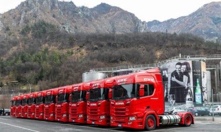 Opera Sanpellegrino camiones Scania GNL
