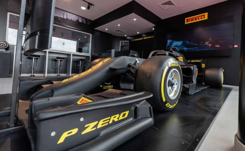Instala Pirelli tienda P Zero World en Dubai