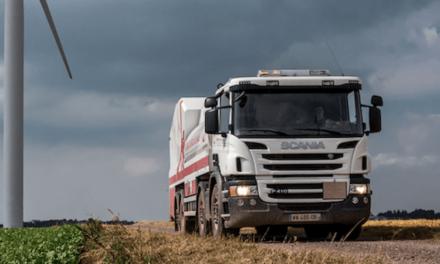 Apoyan con camión Scania labores de mantenimiento
