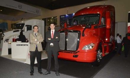 Entregará Kenworth 2 camiones-escuela a CECATI Mexicali
