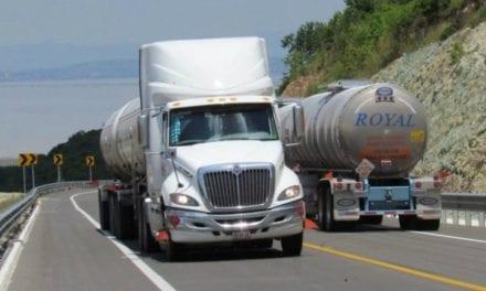Transportistas a favor de una reforma laboral equitativa