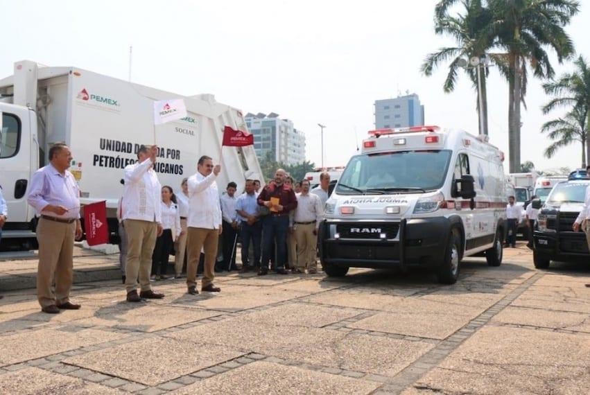 Pemex entrega flota vehicular a municipios petroleros de Tabasco