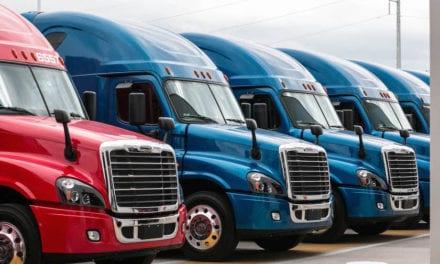 Avanza comercialización de vehículos pesados en marzo