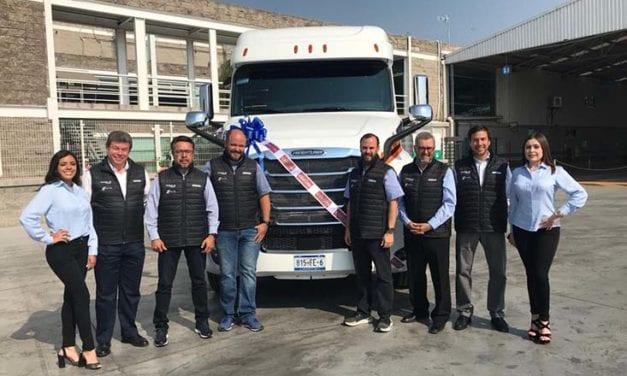 Express Milac refuerza alianza con Daimler Trucks