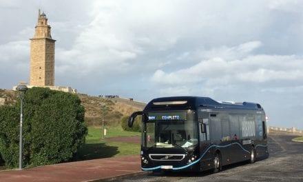 Coloca Volvo 4 mil autobuses híbridos en el mundo