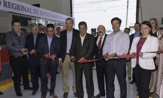 Abrirán Daimler y CEDVA 5 centros de capacitación