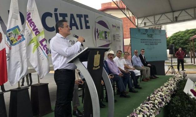 Impulsa Nuevo León la profesionalización del autotransporte